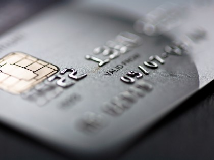 Condena al pago de intereses moratorios al 18% anual